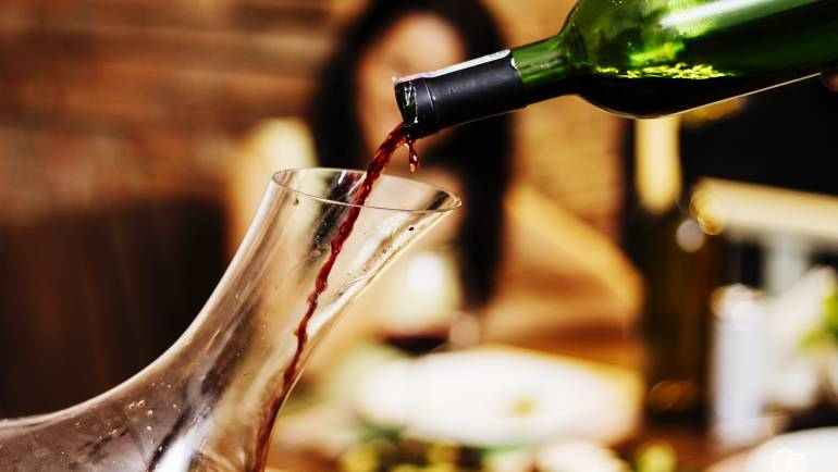 When and how to decant wine